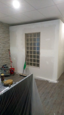 Installed Glass Window, Plastered Drywall for Office Boardroom